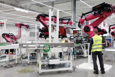 La tecnología robotizada destruye 400.000 empleos